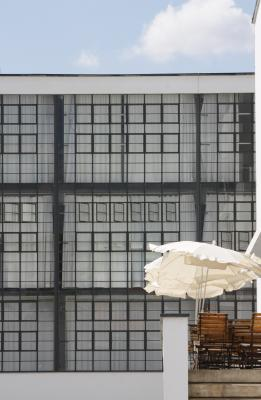 Bauhaus, Bauhausgebäude, Dessau, verwendet in|Kalender 2010, Walter Gropius