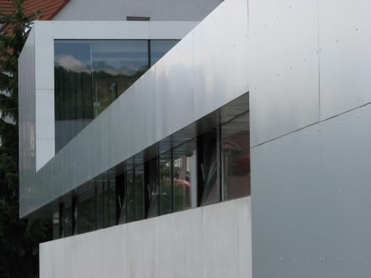 Aluminium, Architektur, Design, Edelstahl, elegant, Feuerwache, grafisch, Metall, Radebeul