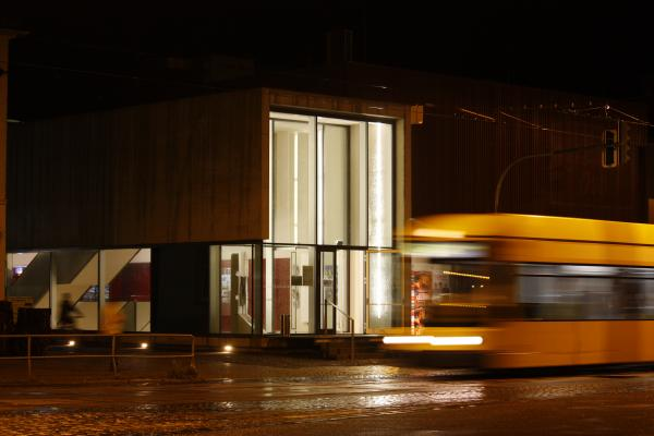 Architektur, Code Unique, Dresden, Kino, Licht, Nacht, Regen, verwendet in|Kalender 2010