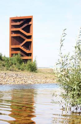 Architektur, grafisch, iba, Kleinkoschen, Landmarke, Niederlausitz, Rost, rotbraun, See, Senftenberg, Sornoer-Kanal, Stahl, Turm, Wasser